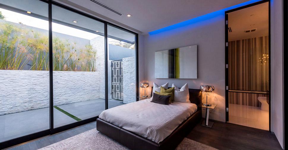 Vantage bedroom